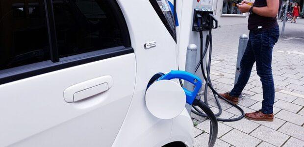 Få rabat på dit budget med en elbil
